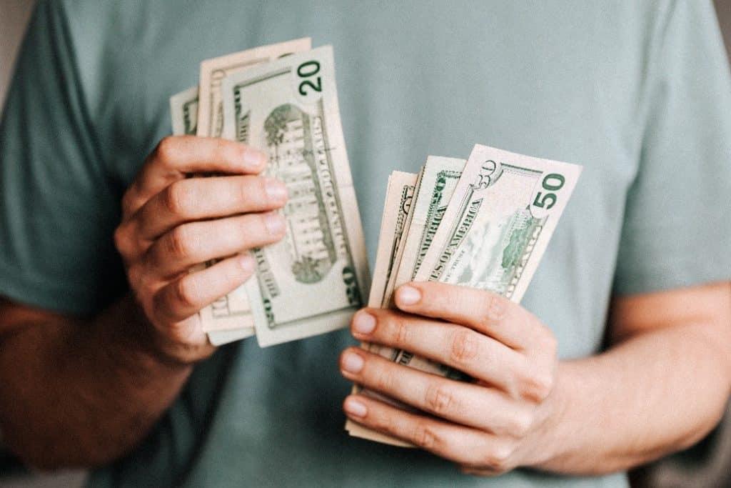 Cara Mengelola Uang THR